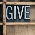 Small Ways to Give Back This Holiday Season