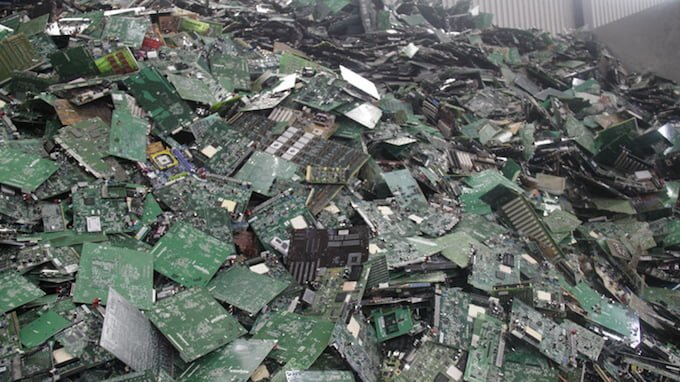 10 Ways to Reduce E-Waste