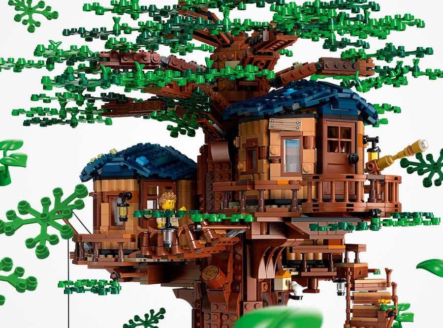 LEGO Transitions to Sustainable, Plant-Based Bricks