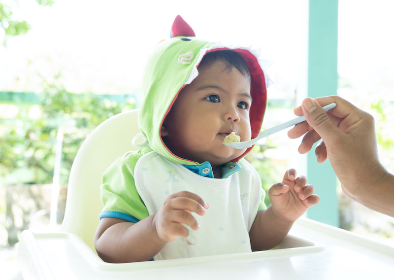 Homemade Baby Food: The Pros and What to Know